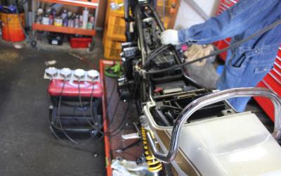 サクセスの整備士はバイクのリペアのプロフェッショナル
